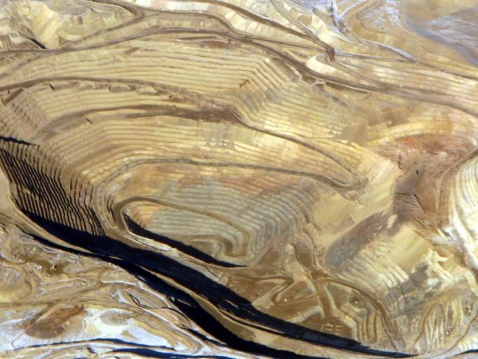 Round_Mountain_gold_mine,_aerial