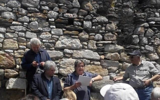 o-tafos-tou-aristoteli-parousiazetai-stin-epistimoniki-koinotita