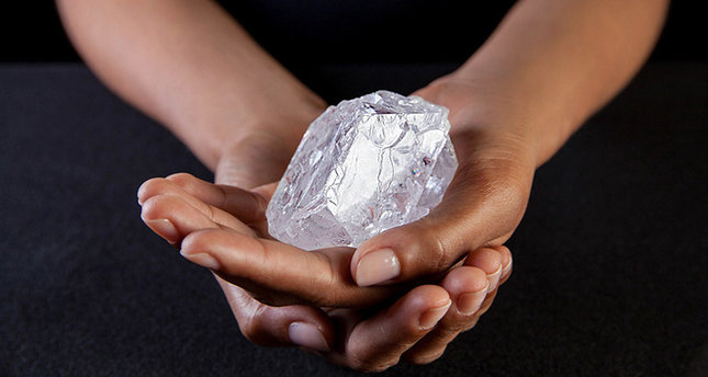 645x344-pastor-unearths-huge-706-carat-diamond-worth-5m-in-sierra-leone-1489672189272